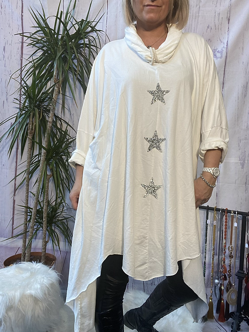 Winter white triple star quirky tunic, fitting up to a size 24.    9115