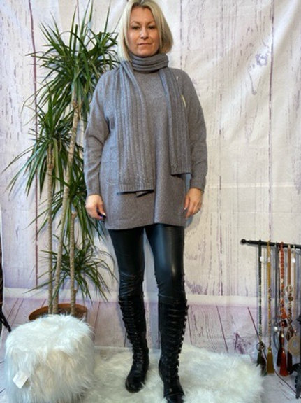 Grey loose fit soft knit jumper and matching scarf.    7259