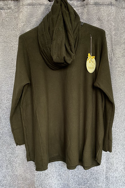 Green soft knit jumper with matching scarf. Fitting sizes 12-18 7262