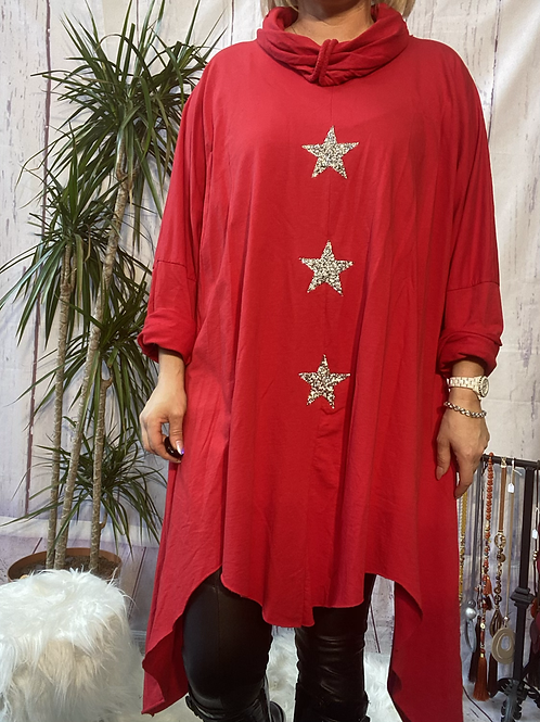Red triple star quirky tunic, fitting up to a size 24.    9115