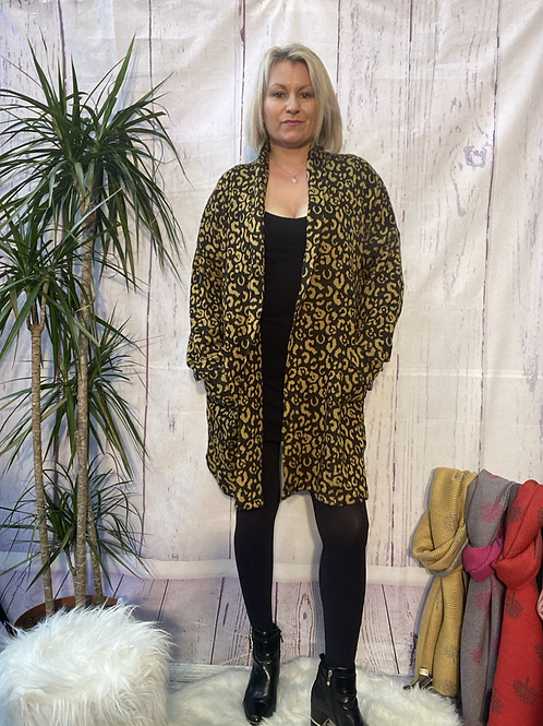 Black and Mustard leopard print coatigan, fitting up to a size 20.    10113