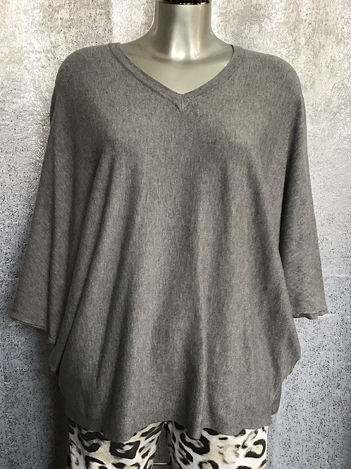 Grey soft knit superbelle jumper, fitting from a size 12-18.   7130