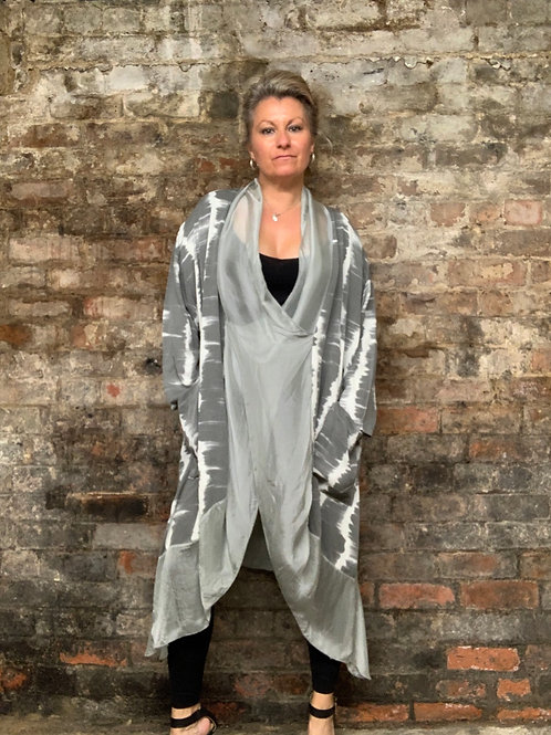 Grey silky floaty cross over top fitting up to a size 24 10082