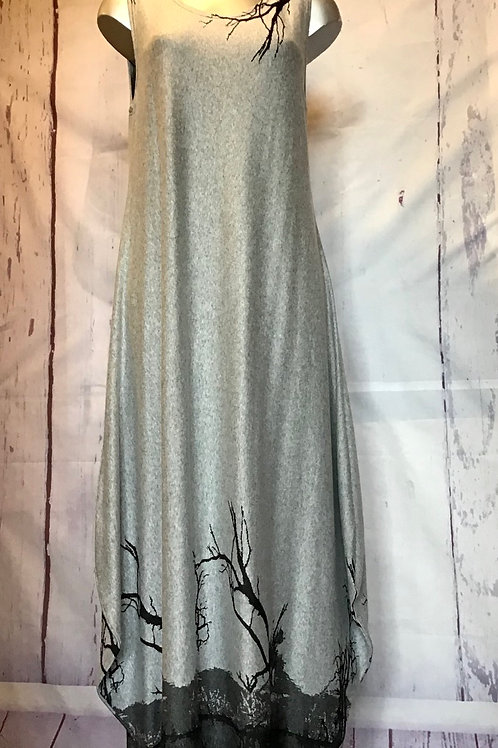 Grey full length dress, fitting up to a size 14.    477