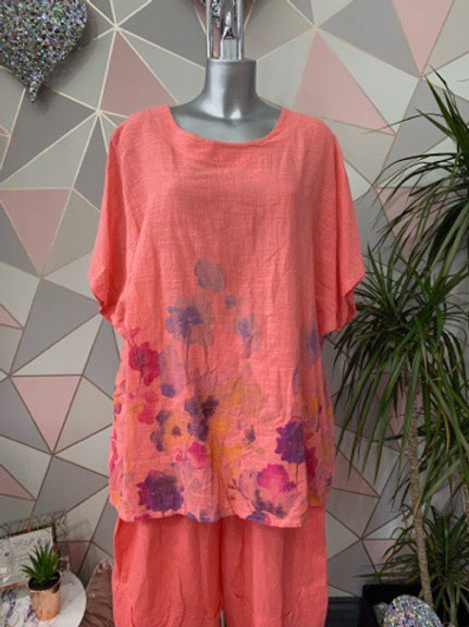Coral watercolour floral top, fitting sizes 12-22