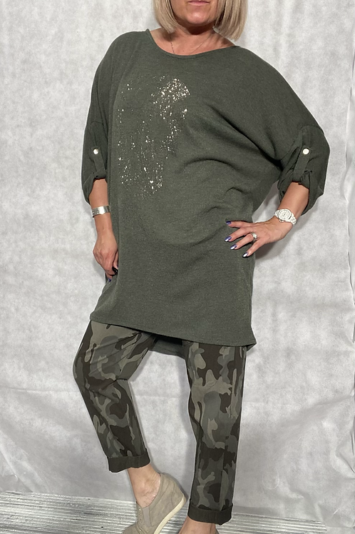 Khaki diamanté skull loose fit top fitting up to a size 20 5678