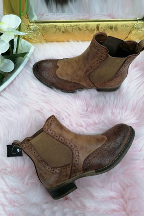 Tan brogue chelsea ankle boots    5773