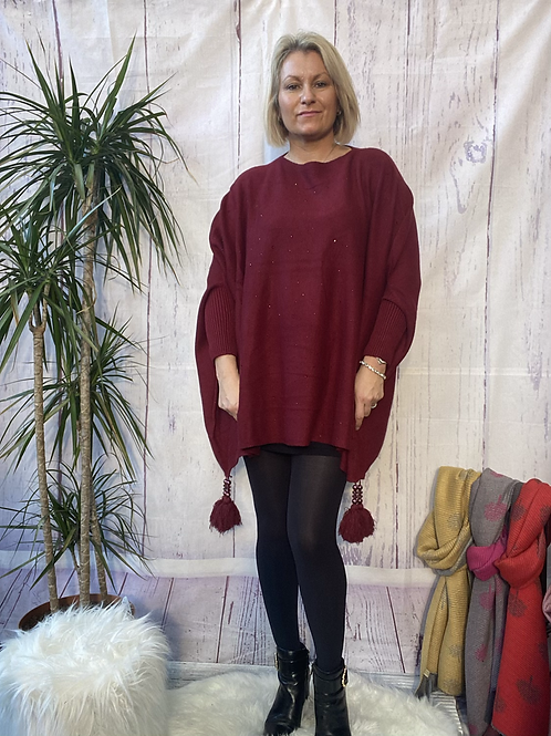Wine diamanté poncho style jumper, fitting up to a 24.    5559