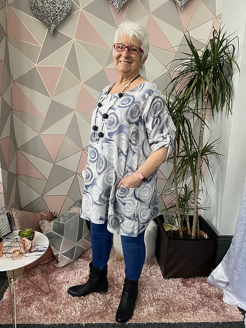 Grey swirls top, fitting up to a size 20