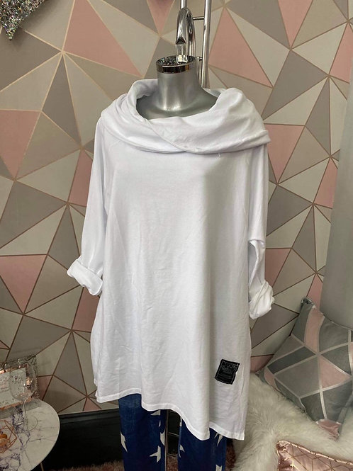 White Scalloped top, fitting up to a size 22