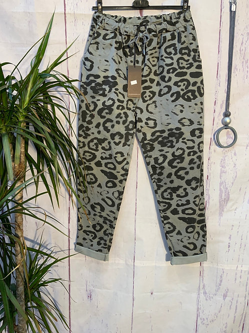 Grey bold Leopard print magic joggers, fitting from a size 10-20.     20377