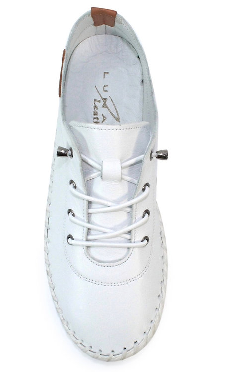 White  Lunar St Ives leather pumps
