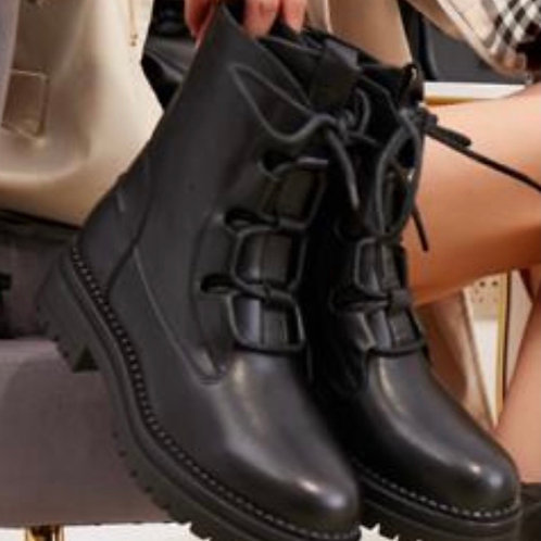 Black lace up ankle boots    5774