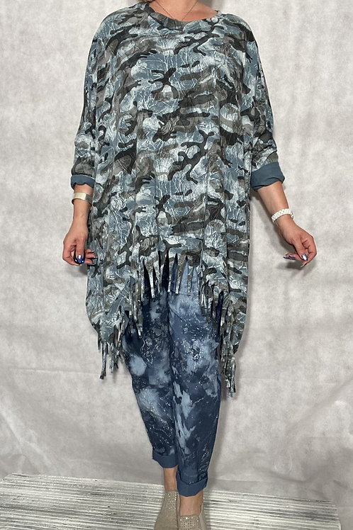 Blue camo print tassel top, fitting up to a size 24.    5401
