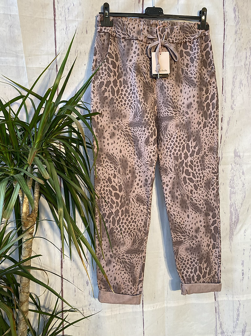 Blush snake print magic joggers, fitting up to a size 20.   0901
