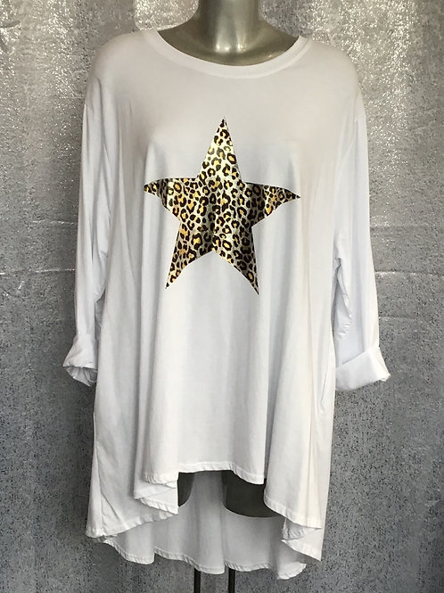 White animal print star long sleeved fan back top, fitting up to a size 24.12083