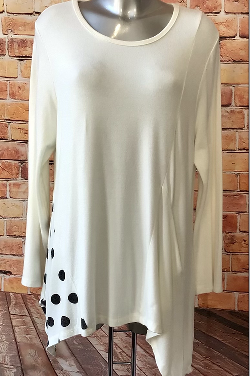 Quirky long sleeved top with pocket