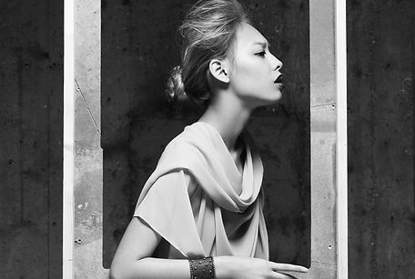 kriss logan, photographe, mode, fashion, éditorial, mannequin, blanc and white, B&W, noir et blanc