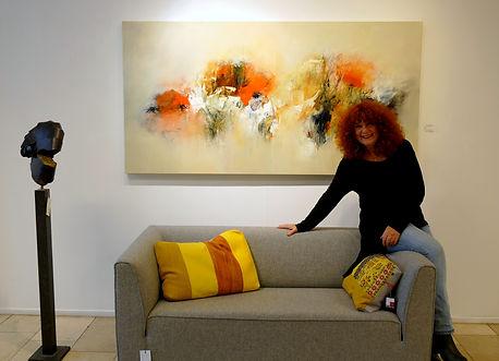 """Thema expositie """"Kunst boven de bank"""" met knipoog,... Road flowers Ria Nieswaag"""