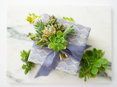 Eco-friendly tips for packaging and wrapping gifts