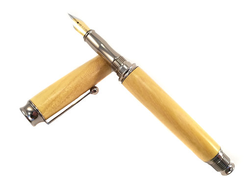 Osage Orange wood fountain pen in gunmetal