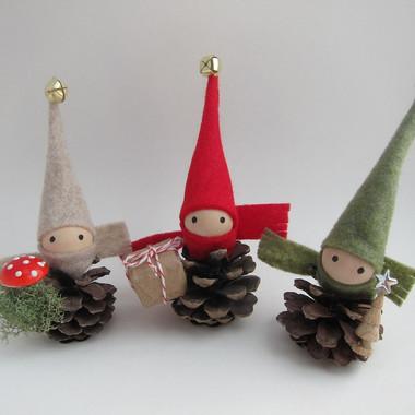pinecone gnomes.jpg