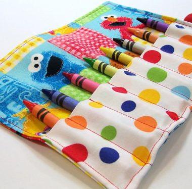 crayon roll.jpg