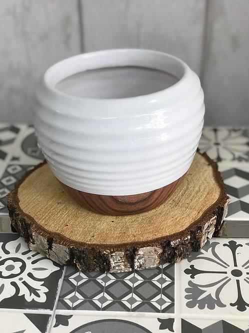 White/wood effect plant pot