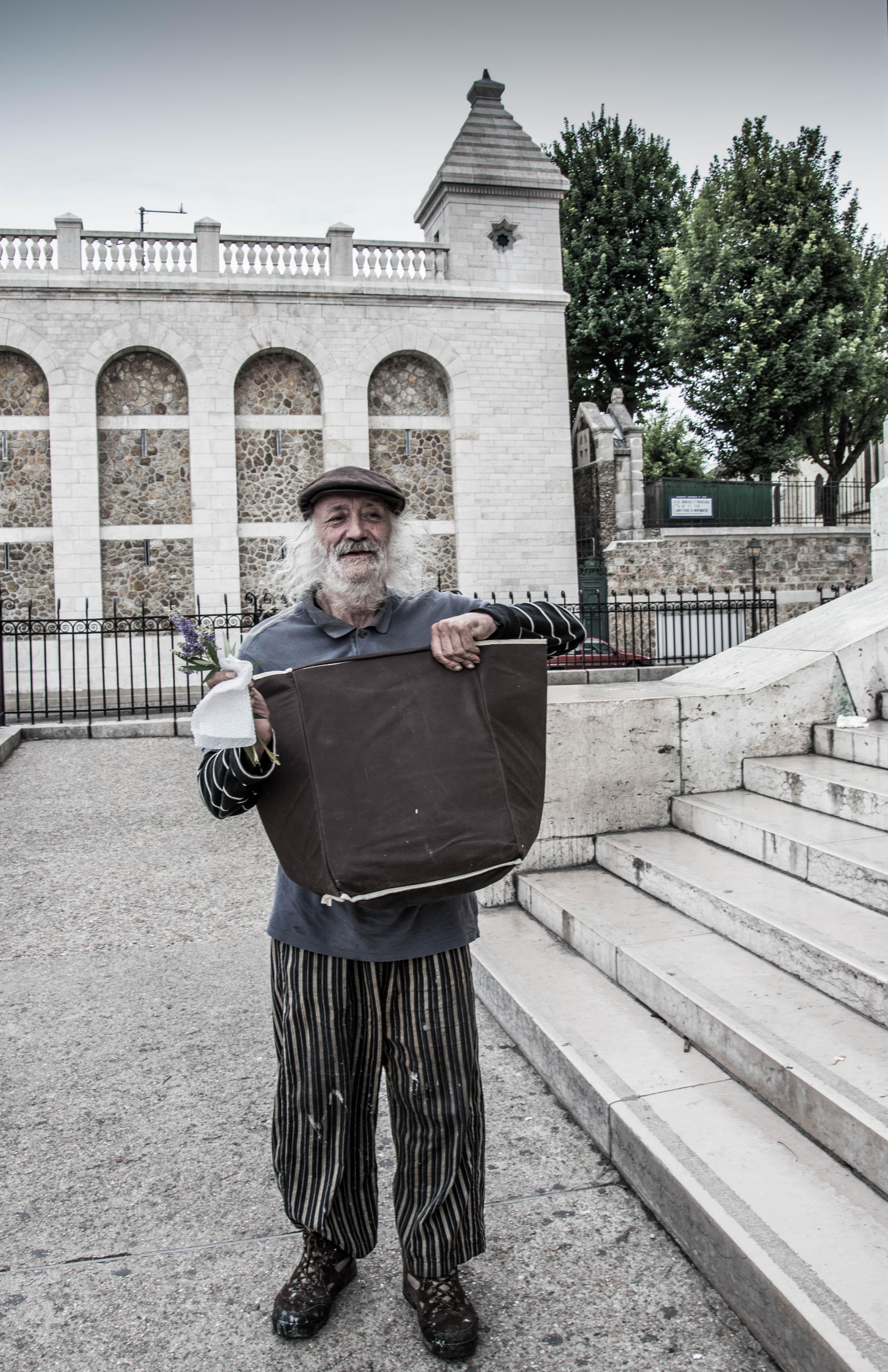 05_Painter at Montmartre Paris