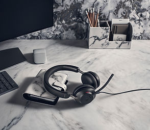 Jabra Evolve2 40 UC Office.jpg