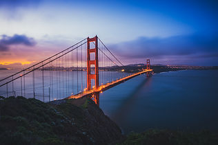 the-golden-gate-bridge-at-dawn-9XLB5QP.j