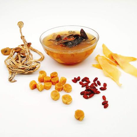 茶樹菇螺片乾貝燉烏雞湯
