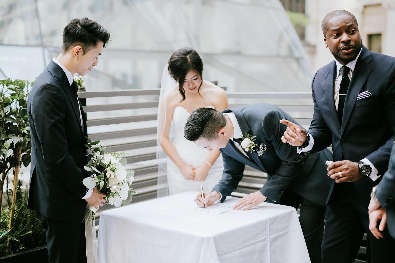 www.weddingofficiantcanada.com