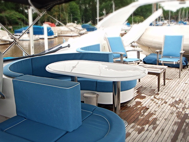 Fly deck in yacht