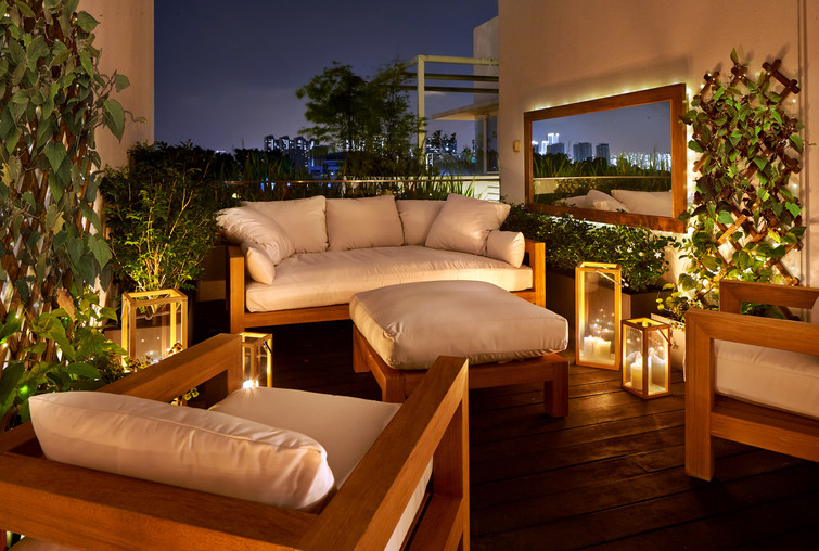 Second terrace • Night