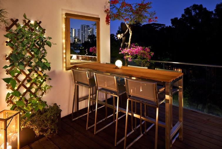 Main terrace • Dining area • Night