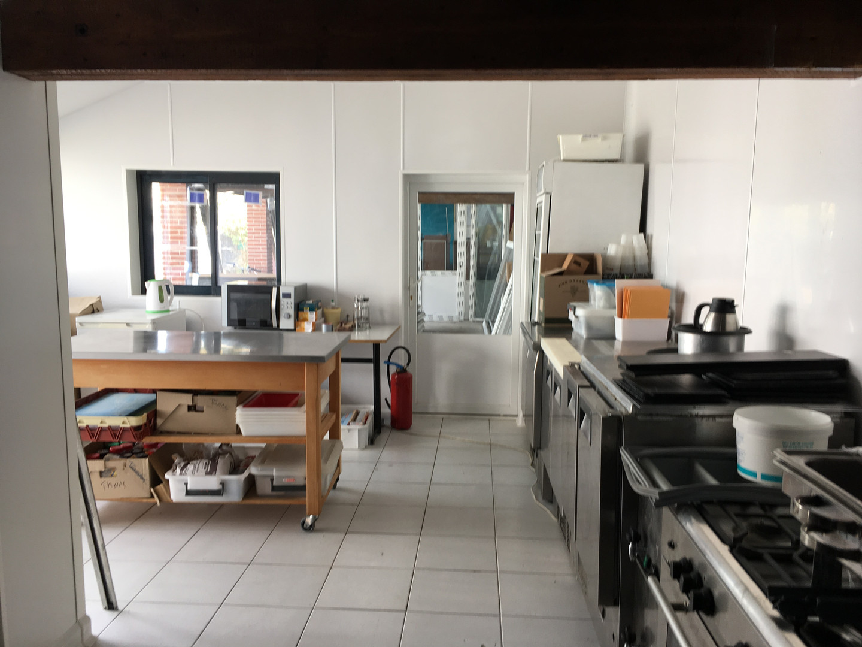 la cuisine prend forme...