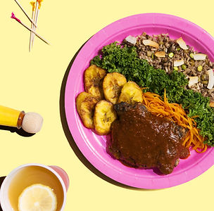 E-commerce experiential marketing, a plate of bright, healthy food