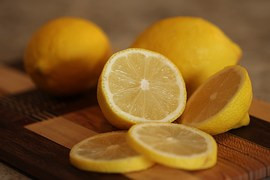 5 Ways to Use Lemons in Your Personal Care and Beauty Routine