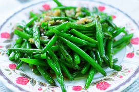 Lemon-Garlic Green Beans with Pine Nuts Recipe
