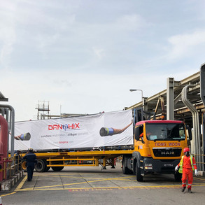 Singapore, Riabilitazione oleodotto in un stabilimento petrolchimico.