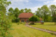 Haus_mit_großem_Grundstück.jpg