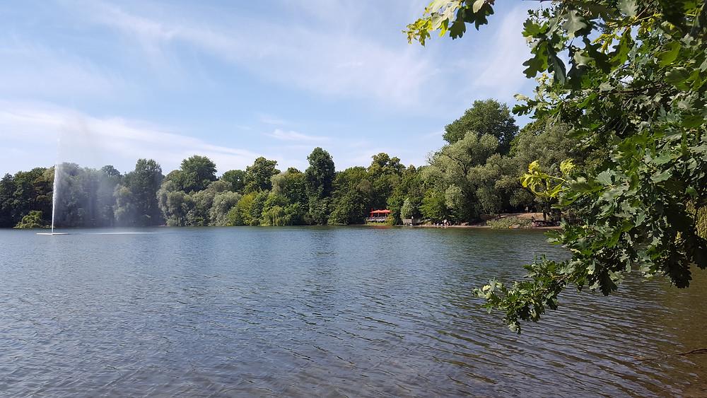 Badesee im Stadtteil Berlin-Weißensee