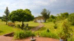 Liebevoll_gestaltetes_Grundstück_mit_mas