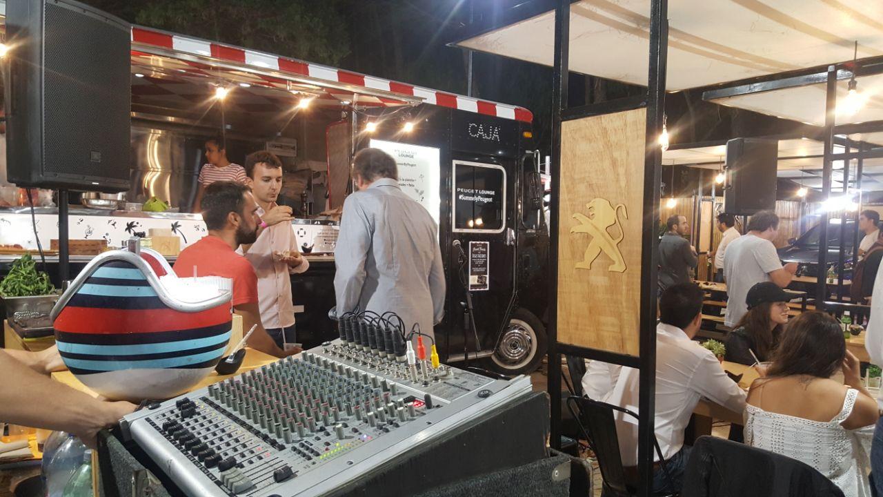 Musica en Vivo - Peugeot Lounge