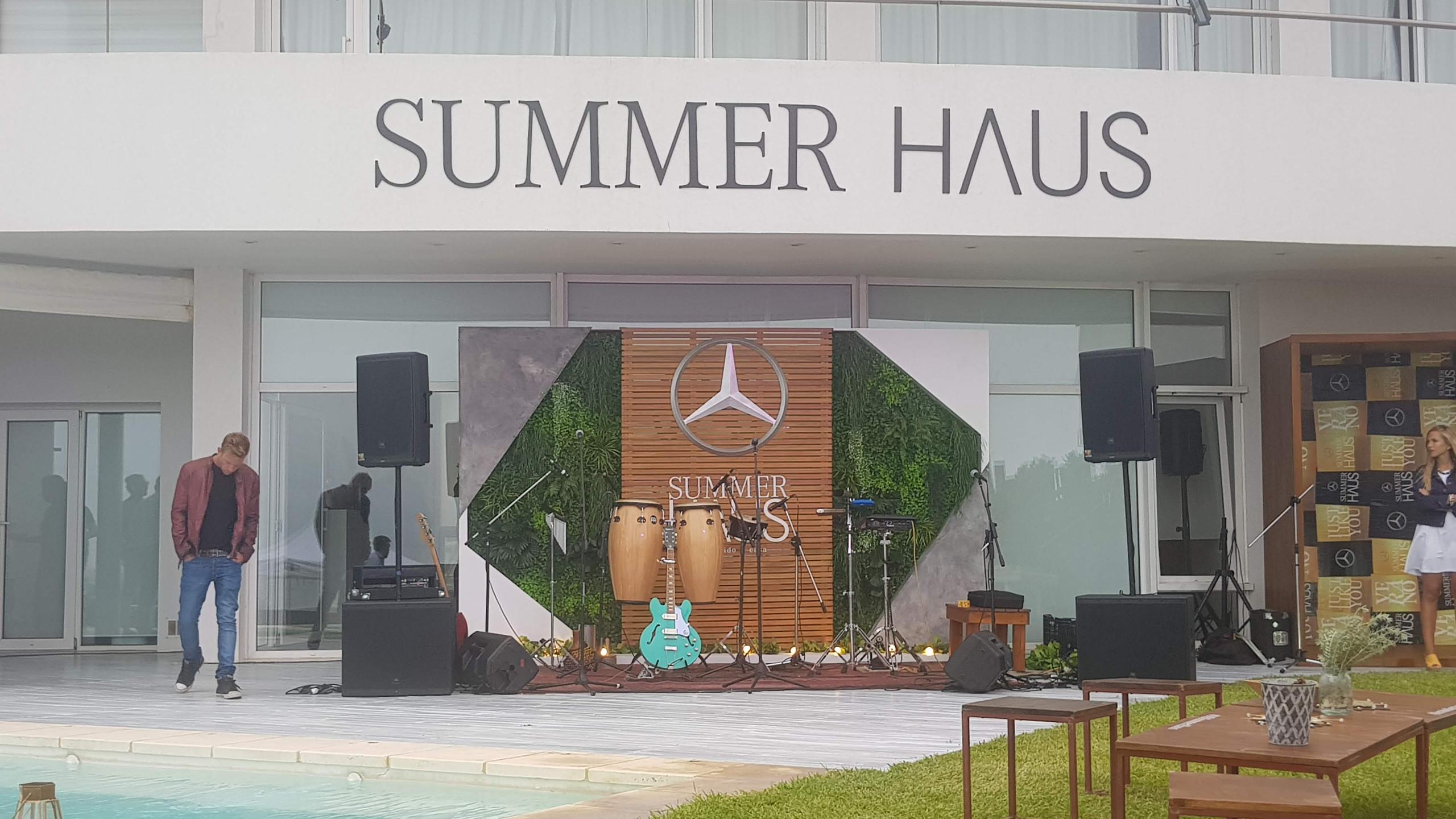 Mercedes Benz - Summer Haus