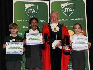 JTA's meeting the Mayor at the recent induction day.