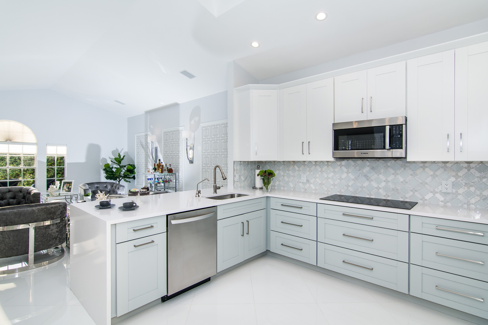 Modern And Contemporary Kitchen Design With Two Tone