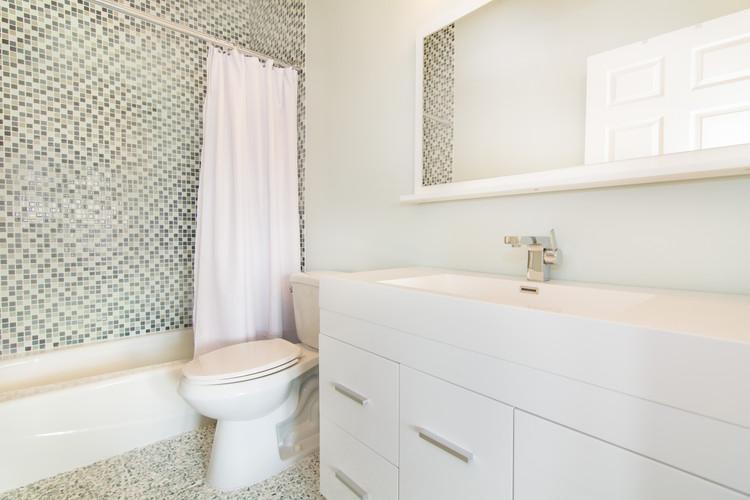 Modern and contemporary master bathroom design