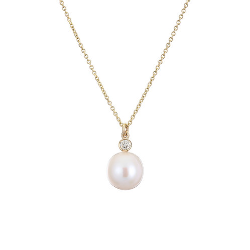 Handmade in Dublin. Gold, diamond and pearl necklace.